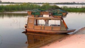 house boat 1